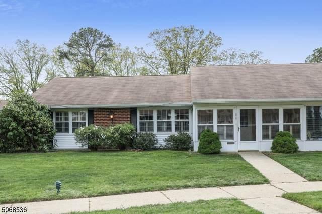 856 Thornhill Ct, Lakewood Twp., NJ 08701 (MLS #3748360) :: SR Real Estate Group