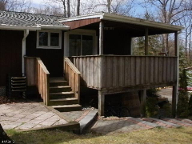 11 S Lakeview Dr, Vernon Twp., NJ 07419 (MLS #3340705) :: The Dekanski Home Selling Team