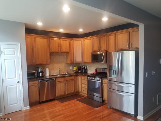 3 Canterbury Ct, Mount Olive Twp., NJ 07828 (MLS #3368687) :: The Dekanski Home Selling Team