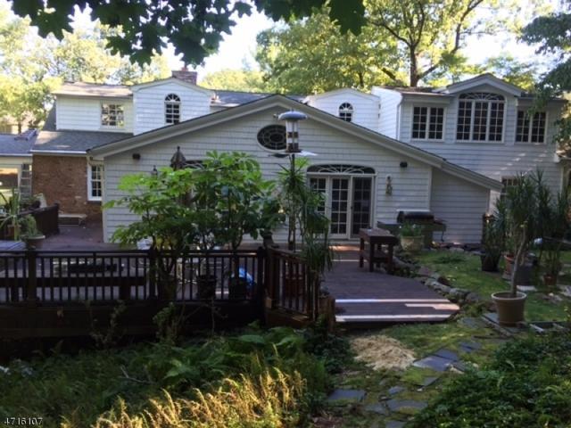 10 Brantwood Ter, Millburn Twp., NJ 07078 (MLS #3389856) :: The Dekanski Home Selling Team