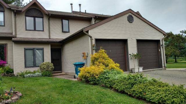 8 Plum Ct, Raritan Twp., NJ 08822 (MLS #3393125) :: The Dekanski Home Selling Team