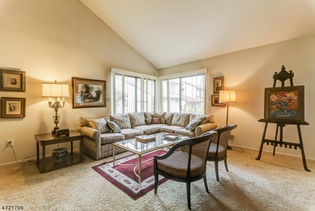 250 Ridgedale Ave, R-5, Florham Park Boro, NJ 07932 (MLS #3395312) :: The Dekanski Home Selling Team