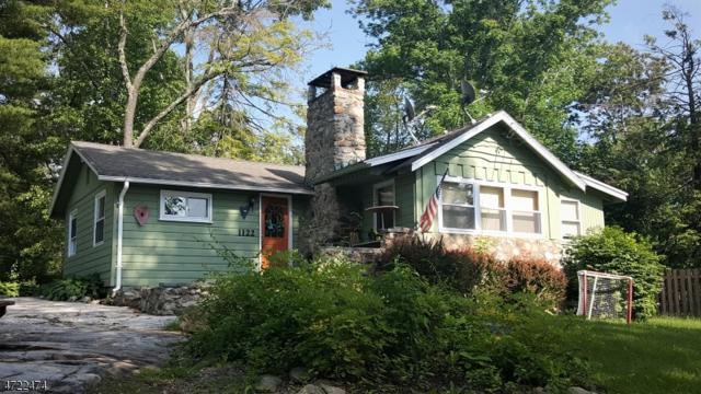 1122 Lakeside Dr E, Vernon Twp., NJ 07422 (MLS #3395841) :: The Dekanski Home Selling Team