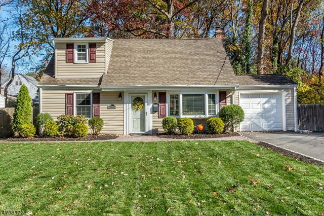 16 Manor Rd, Livingston Twp., NJ 07039 (MLS #3410705) :: The Sue Adler Team