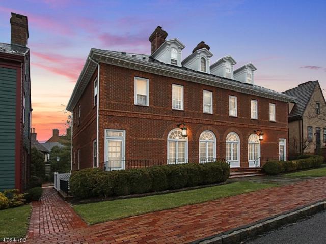 41 Murray Hill Sq, New Providence Boro, NJ 07974 (MLS #3435596) :: Keller Williams Midtown Direct