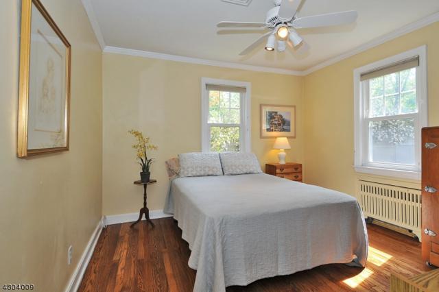 154 Fairview Ave, Berkeley Heights Twp., NJ 07922 (MLS #3471400) :: Zebaida Group at Keller Williams Realty