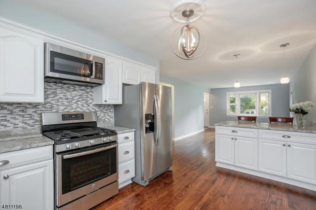 4 Helen St, Fanwood Boro, NJ 07023 (MLS #3477237) :: The Dekanski Home Selling Team