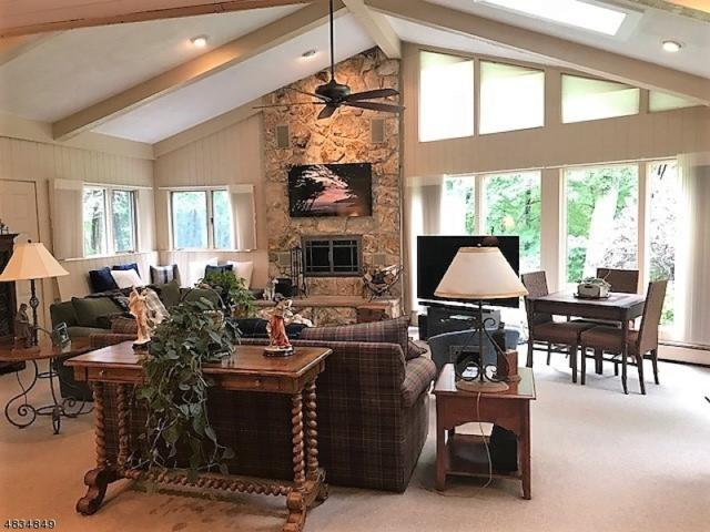 482 Laurel Ln, Kinnelon Boro, NJ 07405 (MLS #3500570) :: SR Real Estate Group