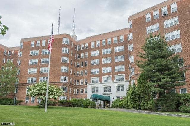 10 Crestmont Rd 2 O, Montclair Twp., NJ 07042 (MLS #3505942) :: William Raveis Baer & McIntosh