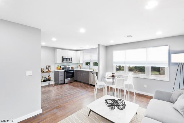 629 Jackson Ave, Linden City, NJ 07036 (MLS #3532325) :: The Dekanski Home Selling Team