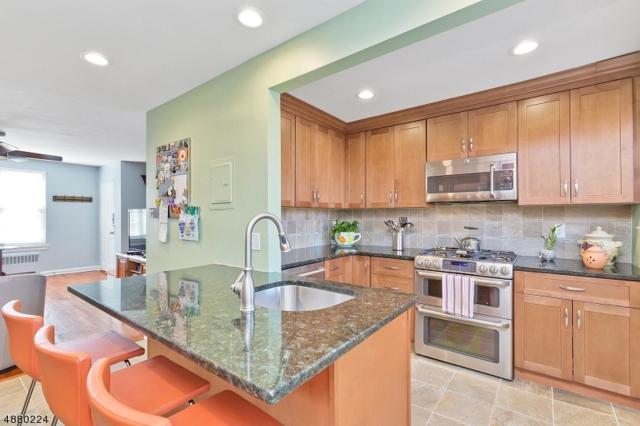 38 Parkway Vlg, Cranford Twp., NJ 07016 (#3540640) :: Daunno Realty Services, LLC
