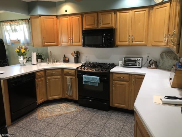 51 Roselle Ave, Kenilworth Boro, NJ 07016 (MLS #3557972) :: The Dekanski Home Selling Team