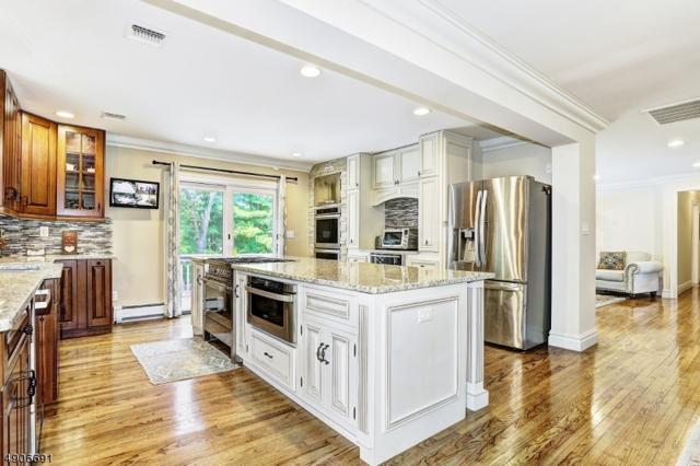3 Hilltop Ter, Kinnelon Boro, NJ 07405 (MLS #3565352) :: The Dekanski Home Selling Team