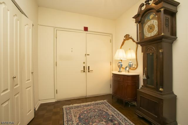 10 Smith Manor Blvd #105, West Orange Twp., NJ 07052 (MLS #3574267) :: Mary K. Sheeran Team