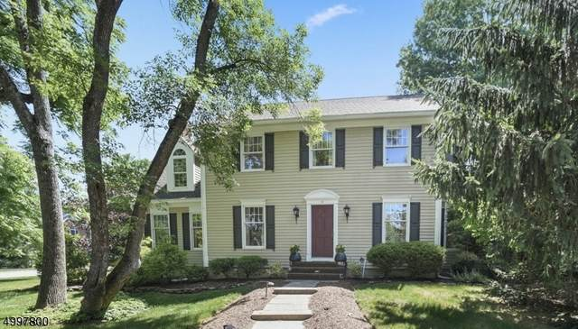 16 Devonshire Ln, Mendham Twp., NJ 07945 (MLS #3647320) :: The Karen W. Peters Group at Coldwell Banker Realty