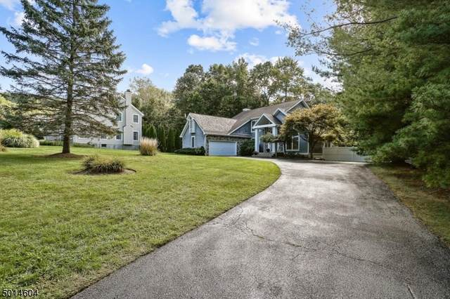 13 Ramapo Mt Dr, Wanaque Boro, NJ 07465 (MLS #3663111) :: The Karen W. Peters Group at Coldwell Banker Realty