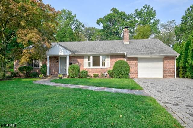 48 Grove Ave, Verona Twp., NJ 07044 (MLS #3740014) :: The Karen W. Peters Group at Coldwell Banker Realty