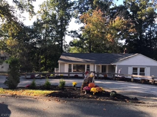 60 Hillside Rd, Sparta Twp., NJ 07871 (MLS #3421184) :: The Dekanski Home Selling Team