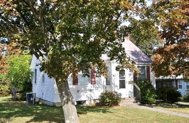 43 Everett Dr, Dover Town, NJ 07801 (MLS #3437362) :: The Dekanski Home Selling Team