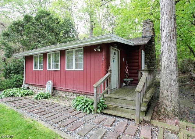 8 Woodland Rd, Ringwood Boro, NJ 07456 (MLS #3536118) :: The Sue Adler Team
