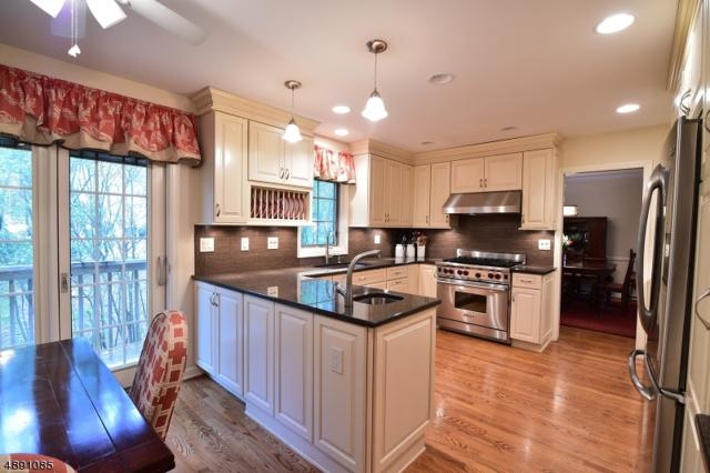 17 Cross Way, New Providence Boro, NJ 07974 (MLS #3550628) :: SR Real Estate Group