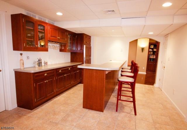 20 Elmwood Dr, Warren Twp., NJ 07059 (MLS #3439246) :: The Dekanski Home Selling Team