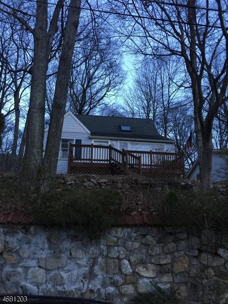 520 Dell Rd, Roxbury Twp., NJ 07850 (MLS #3357788) :: The Dekanski Home Selling Team