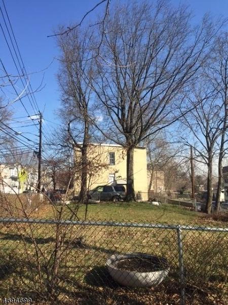 233 W Runyon St, Newark City, NJ 07108 (MLS #3369906) :: The Dekanski Home Selling Team