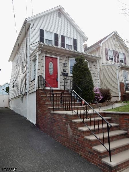 415 Faitoute Ave, Roselle Park Boro, NJ 07204 (MLS #3377991) :: The Dekanski Home Selling Team