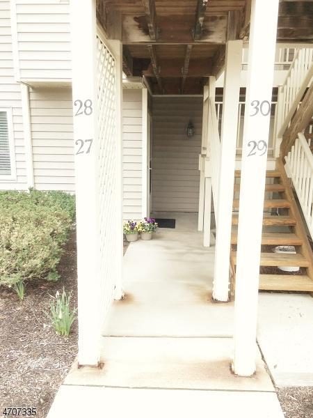 27 Troon Ter, Clinton Twp., NJ 08801 (MLS #3381604) :: The Dekanski Home Selling Team