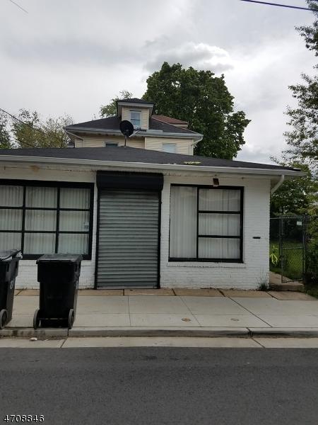 1122 E 2Nd St, Plainfield City, NJ 07062 (MLS #3385755) :: The Dekanski Home Selling Team
