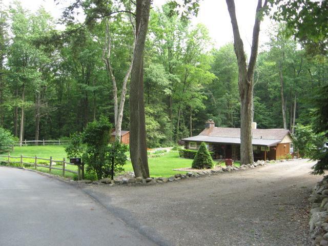 61 Cherry Ridge Rd, West Milford Twp., NJ 07421 (MLS #3388134) :: The Dekanski Home Selling Team