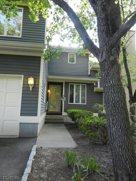 18 St Andrews Ln, Clinton Twp., NJ 08801 (MLS #3389900) :: The Dekanski Home Selling Team