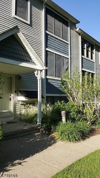 25 Burlington Ct #25, Hamburg Boro, NJ 07419 (MLS #3392742) :: The Dekanski Home Selling Team