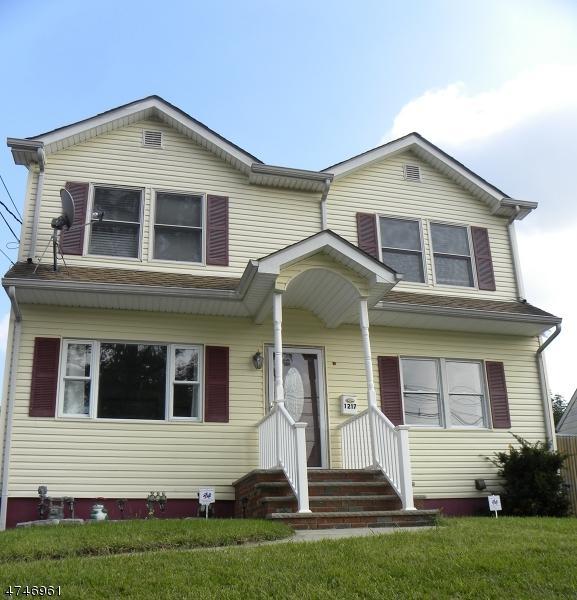 1217 Liberty Ave, Union Twp., NJ 07083 (#3418546) :: Daunno Realty Services, LLC