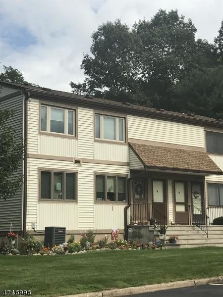 1903 Stonegate Ln B, Stanhope Boro, NJ 07874 (MLS #3419344) :: The Dekanski Home Selling Team