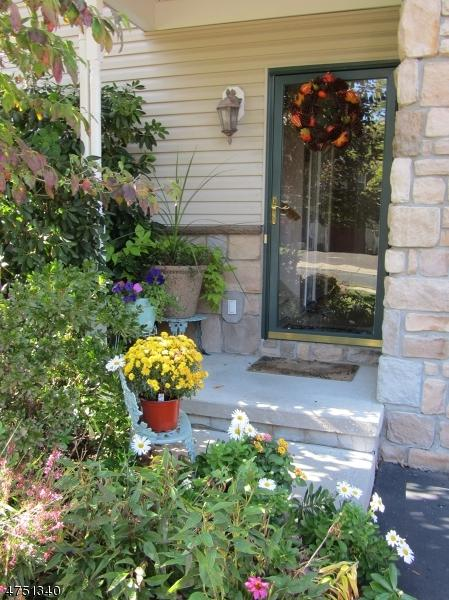 92 Pinehurst Dr, Washington Twp., NJ 07882 (MLS #3422631) :: The Dekanski Home Selling Team