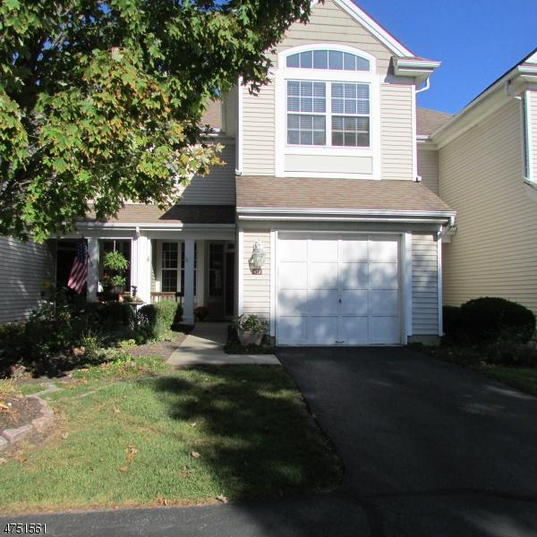 410 Homestead Ct, Lopatcong Twp., NJ 08886 (MLS #3422714) :: The Dekanski Home Selling Team