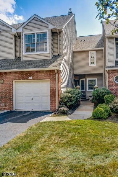50 Kent Dr, C0157, Roseland Boro, NJ 07068 (MLS #3423030) :: The Dekanski Home Selling Team