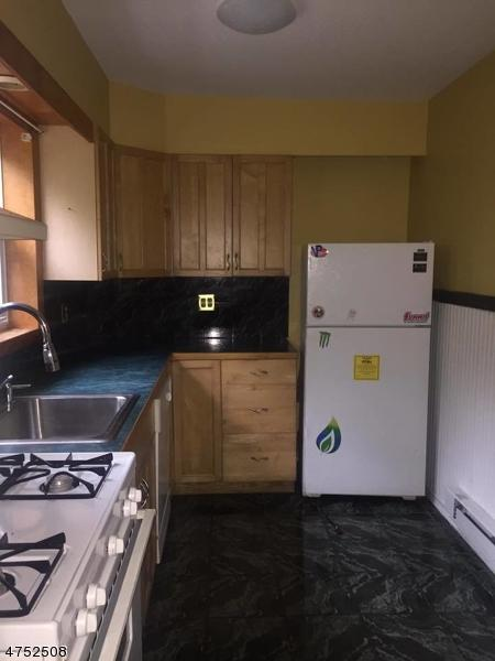 29 Elm St, West Milford Twp., NJ 07421 (MLS #3423730) :: The Dekanski Home Selling Team