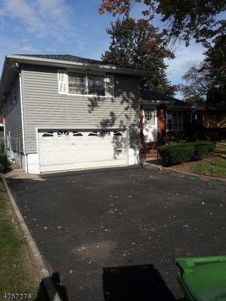 410 Livingston Rd, Linden City, NJ 07036 (MLS #3428596) :: The Dekanski Home Selling Team