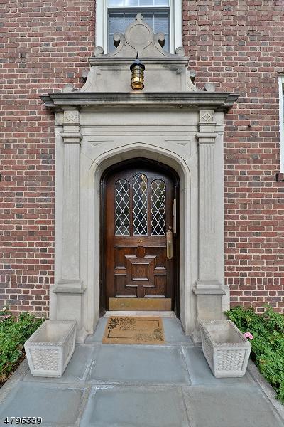 133 Summit Ave Unit 26 #26, Summit City, NJ 07901 (MLS #3464474) :: The Sue Adler Team