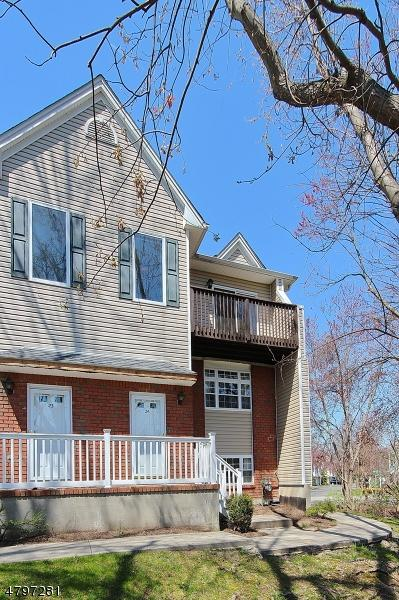 24 Castle Dr, Berkeley Heights Twp., NJ 07922 (MLS #3464969) :: RE/MAX First Choice Realtors