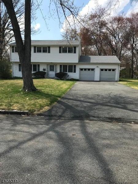 11 Bunyan Dr, Livingston Twp., NJ 07039 (MLS #3472402) :: Zebaida Group at Keller Williams Realty
