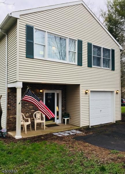 1408 Zellers Aly, Pohatcong Twp., NJ 08865 (MLS #3473166) :: Jason Freeby Group at Keller Williams Real Estate
