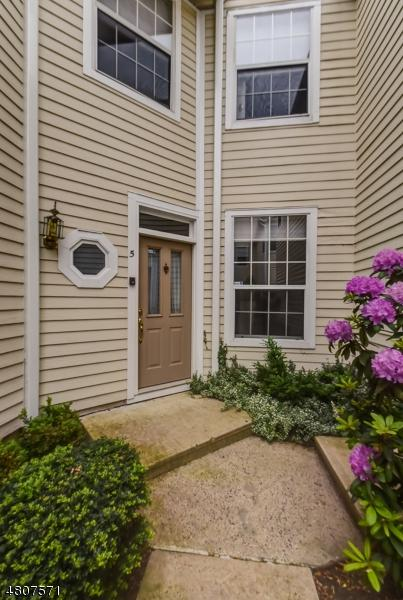 5 High Pond Ln, Bedminster Twp., NJ 07921 (MLS #3475610) :: The Dekanski Home Selling Team