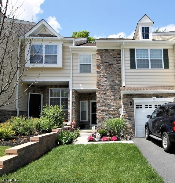 29 Julia Pl, Mount Olive Twp., NJ 07828 (MLS #3483029) :: William Raveis Baer & McIntosh