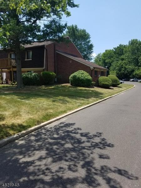 609 Meadow Woods Ln, Lawrence Twp., NJ 08648 (MLS #3487290) :: Pina Nazario