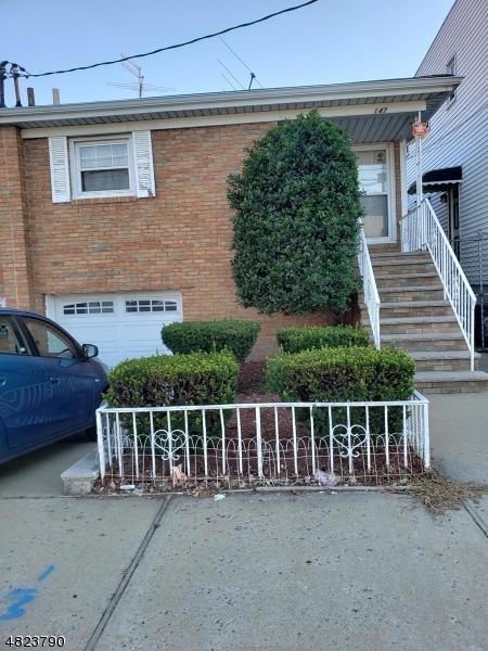 147 Roosevelt Ave, Jersey City, NJ 07304 (MLS #3489093) :: Pina Nazario