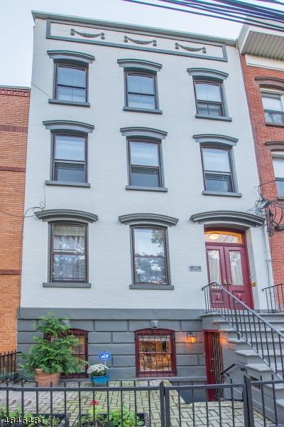 259 4TH ST, Hoboken City, NJ 07030 (MLS #3510048) :: The Sikora Group